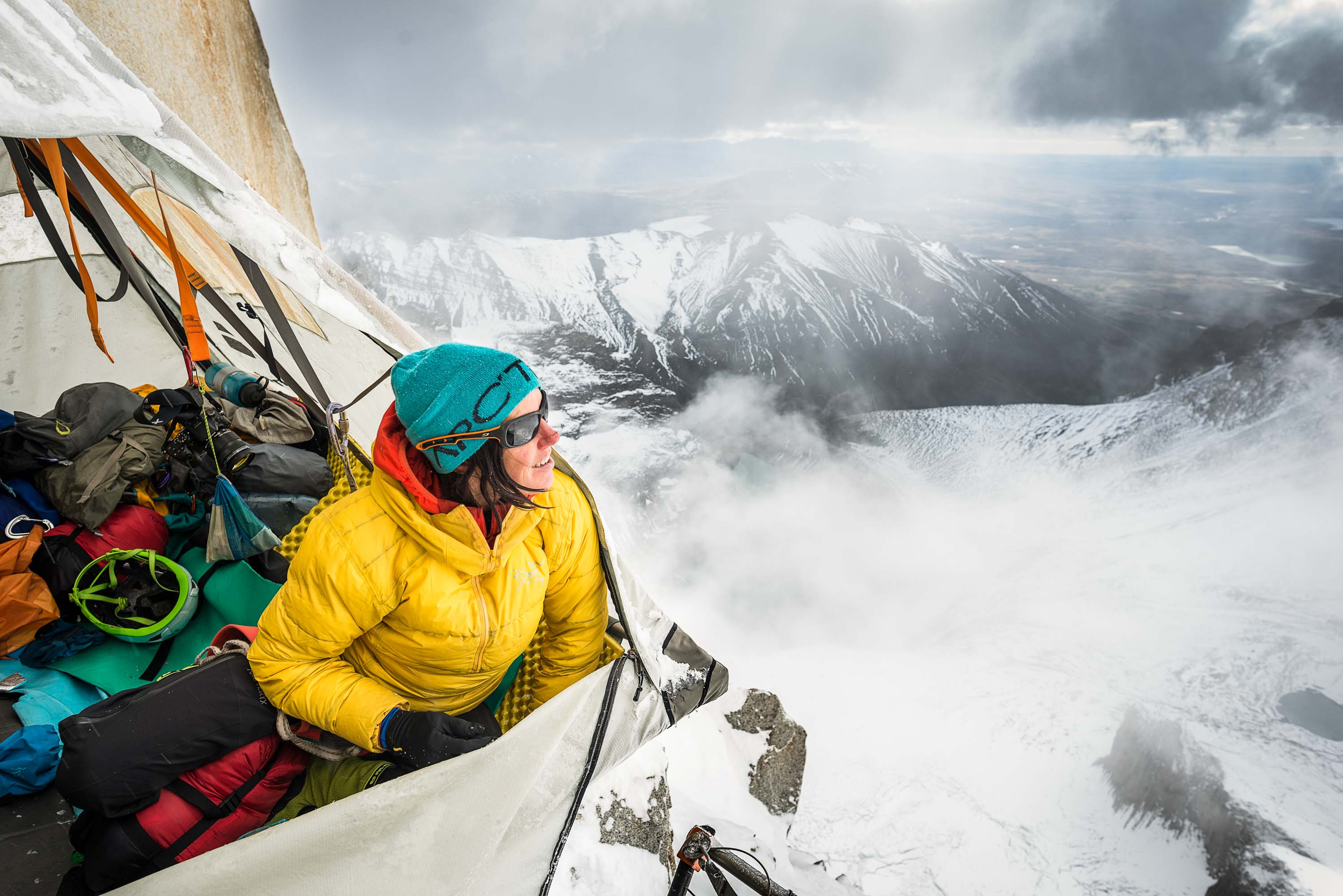 Ines Papert resting in the portaledge 600m above ground on the route Riders on the storm in Torres del Paine. PHOTO: THOMAS SENF